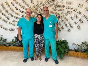 הצוות הרפואי והמטופלת
