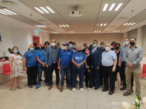 צוות העירייה עם משה ליאון