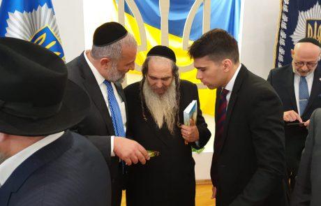 סוף לסאגה המתישה: הרב ארוש ואריה דרעי נפגשו עם שר הפנים של אוקראינה