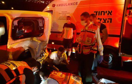 הלילה בכביש 1: שני פצועים קשה בתאונה 📸