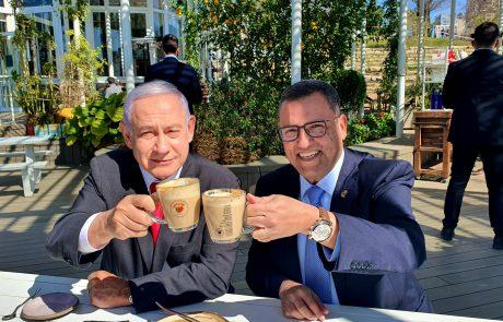 ראש הממשלה וראש העיר יצאו לבית קפה הבוקר