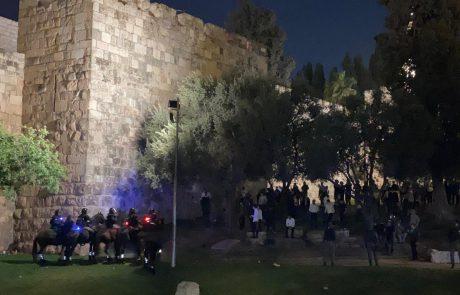 המהומות ממשיכות: שוטרים הותקפו בעיר העתיקה
