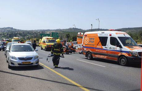 הרוג כבן 55 וארבעה פצועים בתאונה בכביש 1