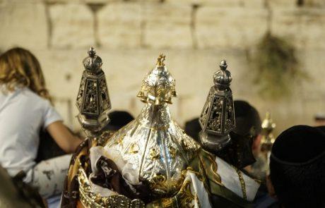 למעלה מ-300 אלף מבקרים באתרים השונים בירושלים • כ-12 אלף טון אשפה פונו מערב חג הסוכות ועד היום
